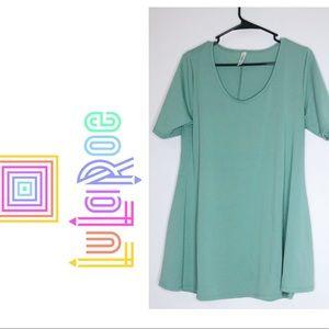 NWOT LULAROE Perfect T Green Short Sleeve Shirt